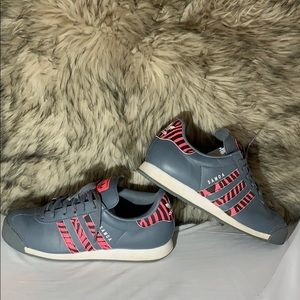 adidas Women's Grey/pink Sneakers size 7